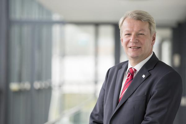 Peter Liggesmeyer, Leiter des Fraunhofer-Instituts für Experimentelles Software Engineering IESE in Kaiserslautern (Bild: Fraunhofer IESE)
