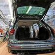 Wegen Corona: Volkswagen setzt im Stammwerk weiter auf Leiharbeiter