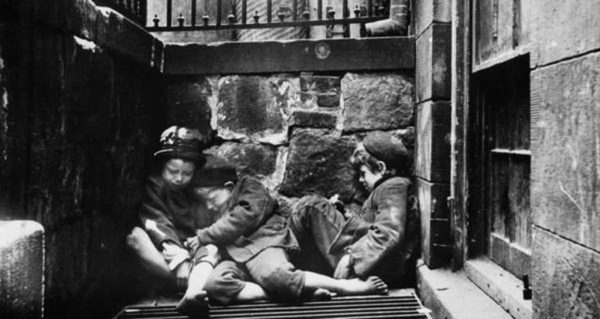 Jacob Riis, Street children sleep near a grate for warmth on Mulberry Street. Circa 1890-1895. How the Other Half Lives.
