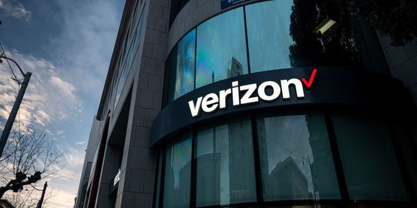 WSJ News Exclusive | Verizon Explores Sale of Media Assets, Including Parts of Yahoo and AOL