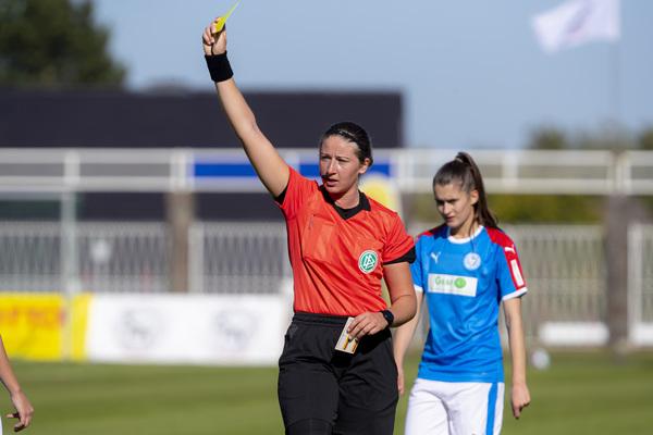 FIFA-Schiedrichterin Franziska Wildfeuer (Foto: Garve/Agentur 54°)