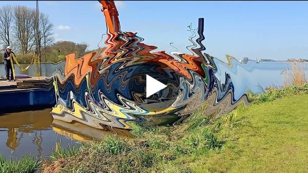 ROELOFARENDSVEEN - Berging van gezonken schip bij zwemplaats Wijde Aa door De Rijk en Van Leersum (video)