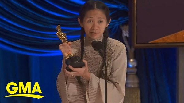 Chloé Zhao accepts Best Director Academy Award