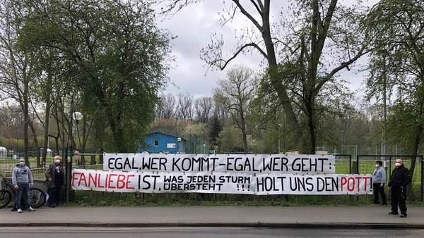 20 Meter Mut für den DFB-Pokal: Sportfreunde basteln Banner für RB Leipzig - Sportbuzzer.de