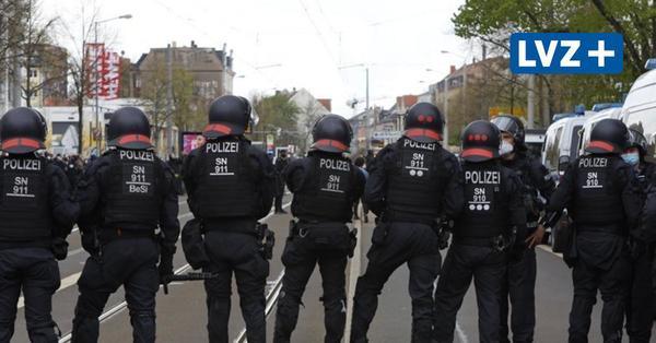 Liveticker: Polizei löst Demozug in Connewitz auf – 700 Menschen am Völki