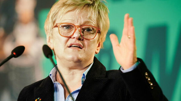 Grüne gegen Social-Media-Riesen: Renate Künast zieht gegen Facebook vor Gericht - Berlin - Tagesspiegel