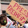 Bepöbelt, bedrängt und attackiert: Die Lage der Pressefreiheit in Deutschland