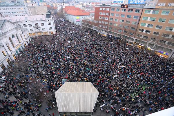 Protest in Bratislava after the murder of Ján Kuciak and Martina Kušnírová on March 9, 2018. Photo: wikipedia.org