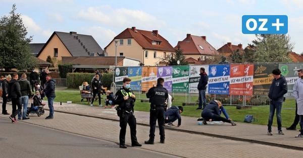 Stiller Protest in Grimmen: Bürger fordern mehr Öffnungen trotz Corona