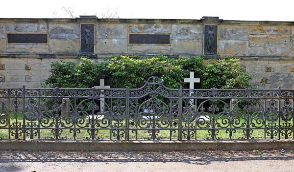 Die Gräber der Verlegerfamilien Volckmar, Voerster und Frentzel.Foto: Andre Kempner