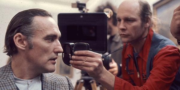 Robby Müller (rechts) filmt Dennis Hopper (links) (bron: Claire Pijman)
