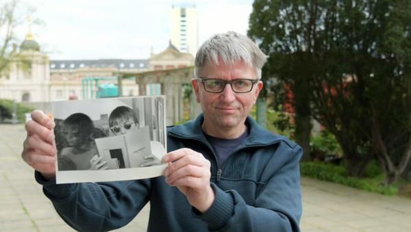 Volker Oelschläger am Staudenhof - das alte Foto zeigt ihn vor rund 25 Jahren im Staudenhof-Café. Foto: Bernd Gartenschläger