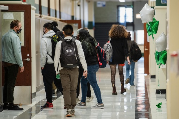 Students walk down the hall at Nicholas Senn High School in Edgewater on April 23, 2021. The fate of the city depends on the quality of its public schools, and legislators should reject a proposal for a 21-member elected board. Pat Nabong/Sun-Times