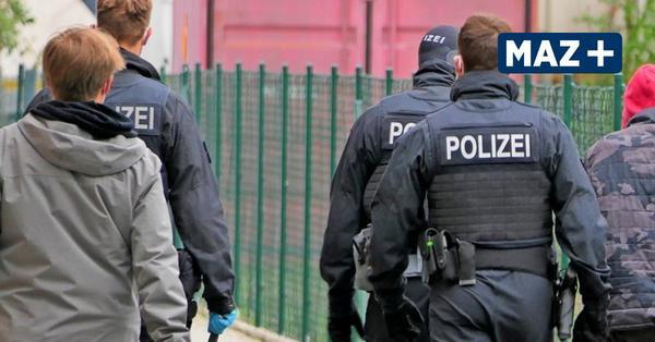 Ermittlungen gegen Schleuser-Bande: Bundesweiter Polizeieinsatz – auch in Großbeeren
