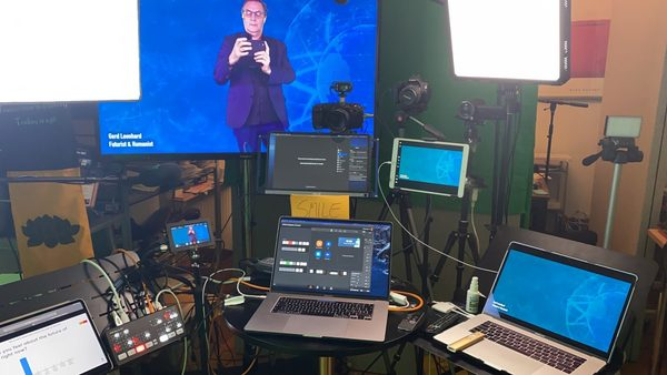 My 'Keynote Television' setup; behind the scenes (sorry for the mess)