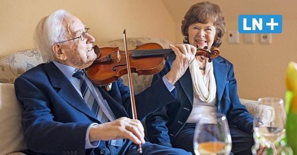 Travemünde: Valdemar Prukner (106) und Marianne Schalk (89) haben sich verliebt