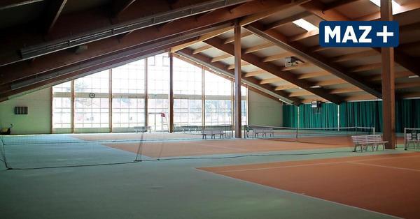 Seeburg: Unbekannte Täter zerstören Bodenbelag der Havellandhalle – sechsstelliger Schaden