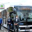Zwei Elektro-Busse kutschieren Beschäftigte jetzt durch das VW-Werk