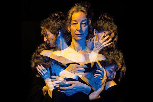 In dem Theaterprojekt zu Elsa Asenijeff treffen Schauspiel und Bildende Kunst direkt aufeinander.Foto: Mathias Schäfer