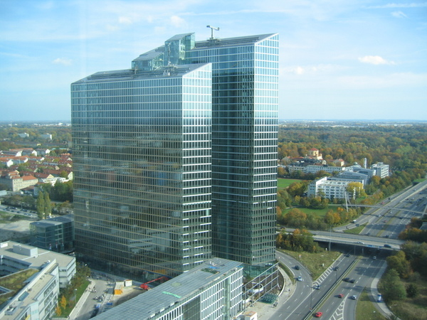 Helmut Jahns Highlight Towers in München. Quelle: Wikimedia / sMike