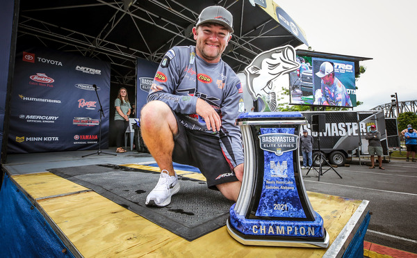 Wes Logan was smiling after winning his first Bassmaster Elite Series tournament on his home lake, Neely Henry Lake in Alabama. (photo by James Overstreet/B.A.S.S.)