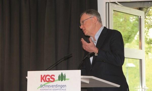 Ministerpräsident Weil besucht die KGS Schneverdingen - Heidekreis - Walsroder Zeitung