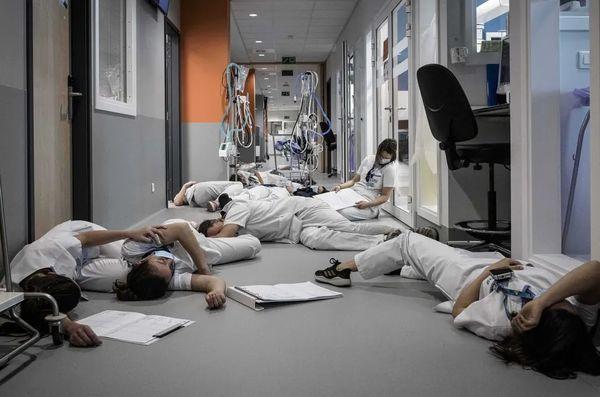 Βέλγιο: κινητοποίηση των νοσηλευτών για καλύτερες συνθήκες εργασίας (Valentin Bianchi/AP)