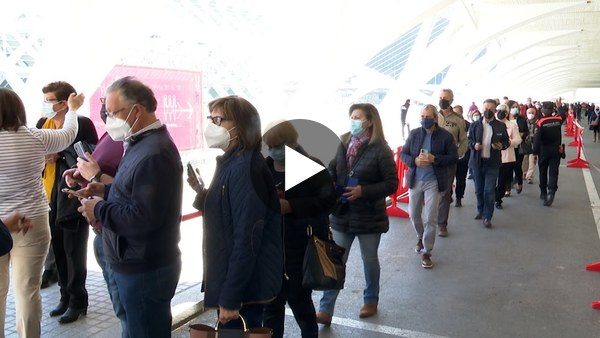 Arranca la vacunación masiva en la Ciutat de les Arts de València