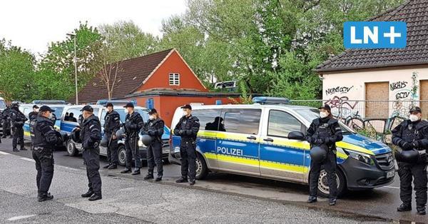Unbekannte besetzen Haus in der Willy-Brandt-Allee