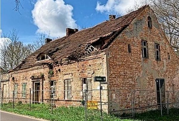 Umstrittene Ruine in Töplitz. Foto: privat