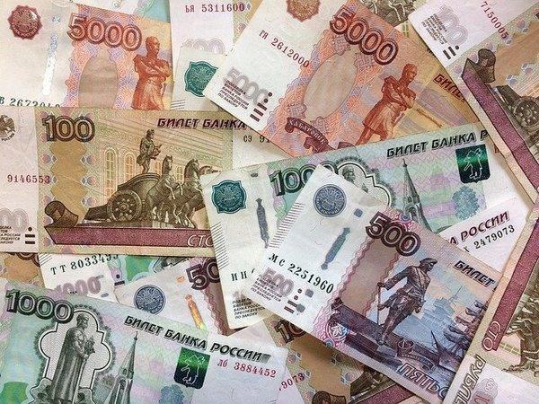 Białorusini ślą ruble z Rosji - drugie miejsce pod względem wielkości przekazów - NaWschodzie.eu