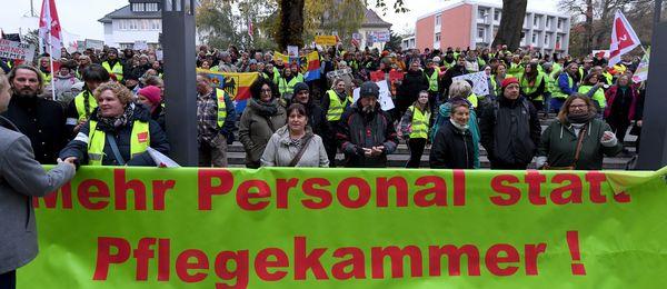 Protest in Kiel gegen die Pflegekammer im Herbst 2019 (Foto: DPA)