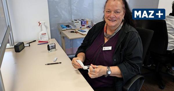 Premnitz: Immer engagiert, immer unter Leuten - Gerlinde Frei hilft im Corona-Testzentrum