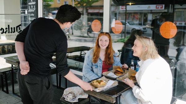 Öffnung der Gastronomie: Diese Regeln gelten beim Restaurantbesuch