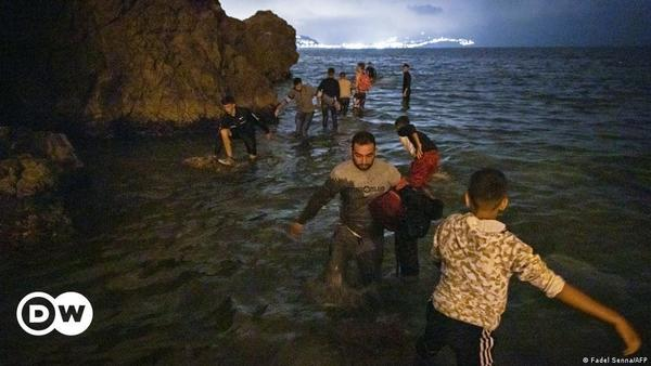 Ceuta: Thousands of migrants swim to Spanish enclave in North Africa