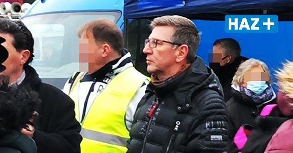 """Auftritte bei """"Querdenker""""-Demos: Polizei Hannover reicht Klage gegen Beamten ein"""
