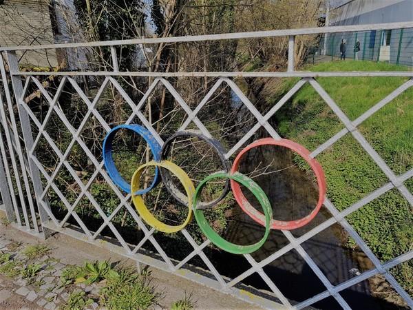 Wo in Falkensee befinden sich diese Olympischen Ringe? (Foto: Marlies Schnaibel)
