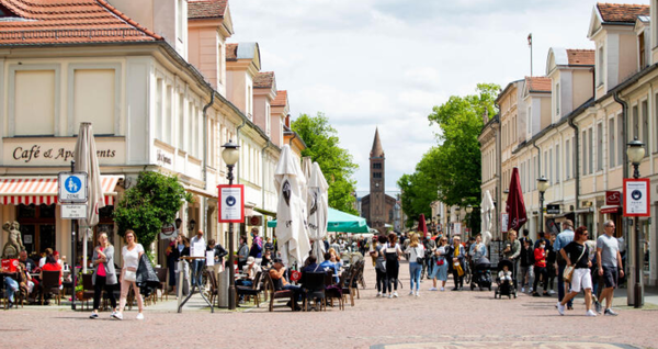 Pfingstmontag in der Brandenburger Straße. Foto: Julius Frick