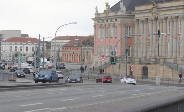 Die Breite Straße muss noch einmal für mindestens drei Tage gesperrt werden. Foto: Bernd Gartenschläger
