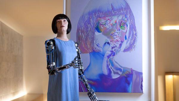 Human-like robot creates creepy self-portraits