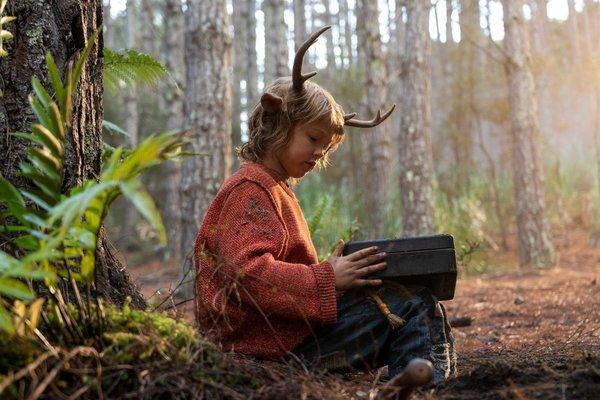 Netflix estrena 'Sweet Tooth: El niño ciervo', una distopía familiar de DC producida por Robert Downey Jr.