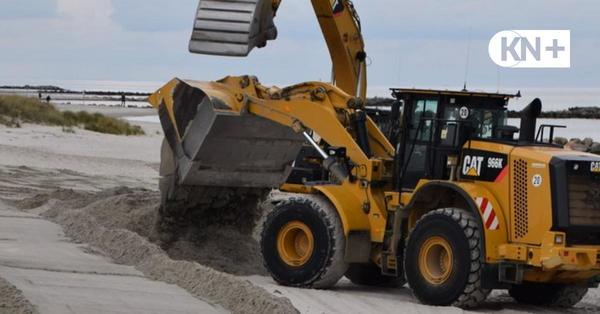 Kraftakt zum Saisonstart: Frischer Sand für Strände in Schönberg