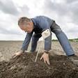 Loeren bij de boeren: Akkerbouwer Markx heeft even pauze door koud voorjaar