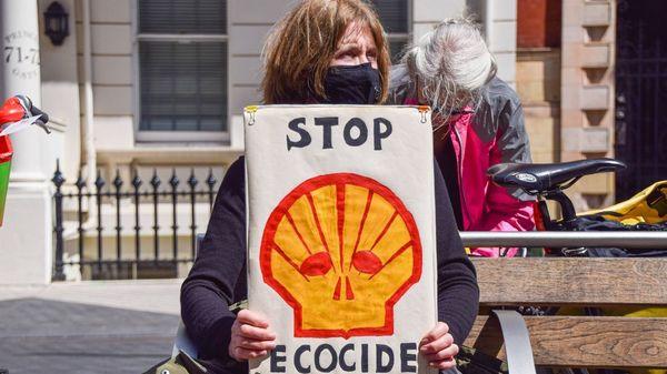 Wegweisendes Urteil: Gericht verpflichtet Ölkonzern Shell zu Klimaschutz
