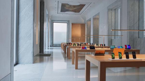 Le prime immagini dell'Apple Store di Via del Corso a Roma - Italian Tech