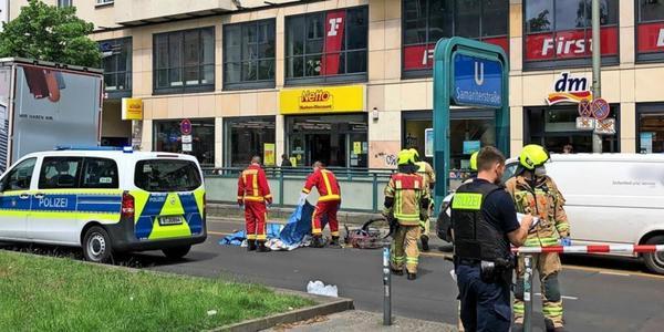 Berlin: Radfahrerin wird bei Unfall auf Frankfurter Allee getötet
