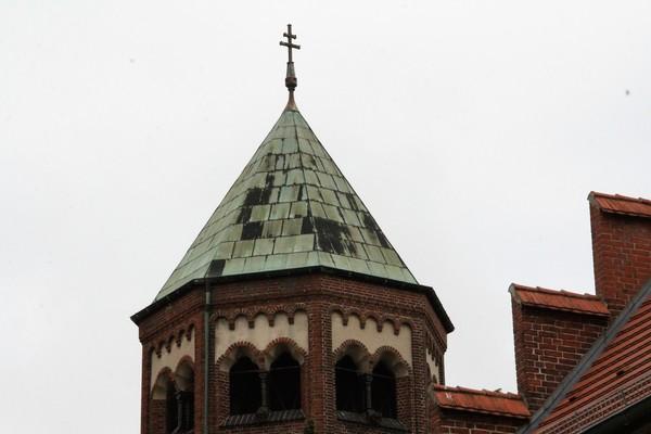 Gesuchter Kirchturm. (Foto: Marlies Schnaibel)
