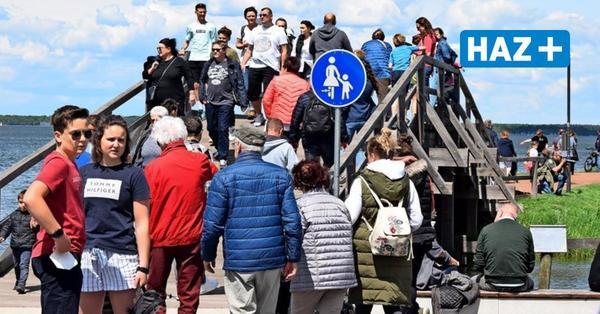 Überfüllung in Steinhude: Polizei warnt erneut vor Besuch