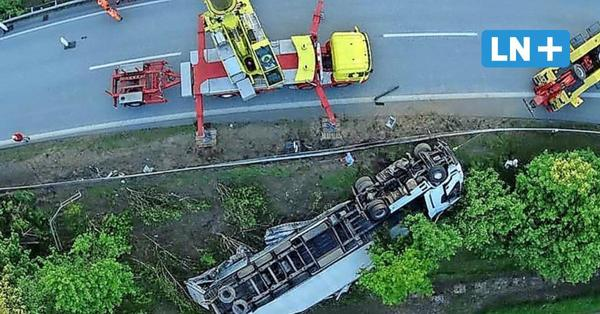 Unfall auf A21: Umgekippter Lkw geborgen – Sperrung Richtung Kiel aufgehoben