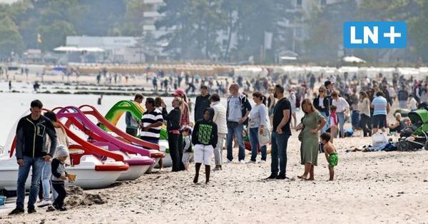 Besucher-Ansturm auf die Küste: Volle Strände und verstopfte Straßen